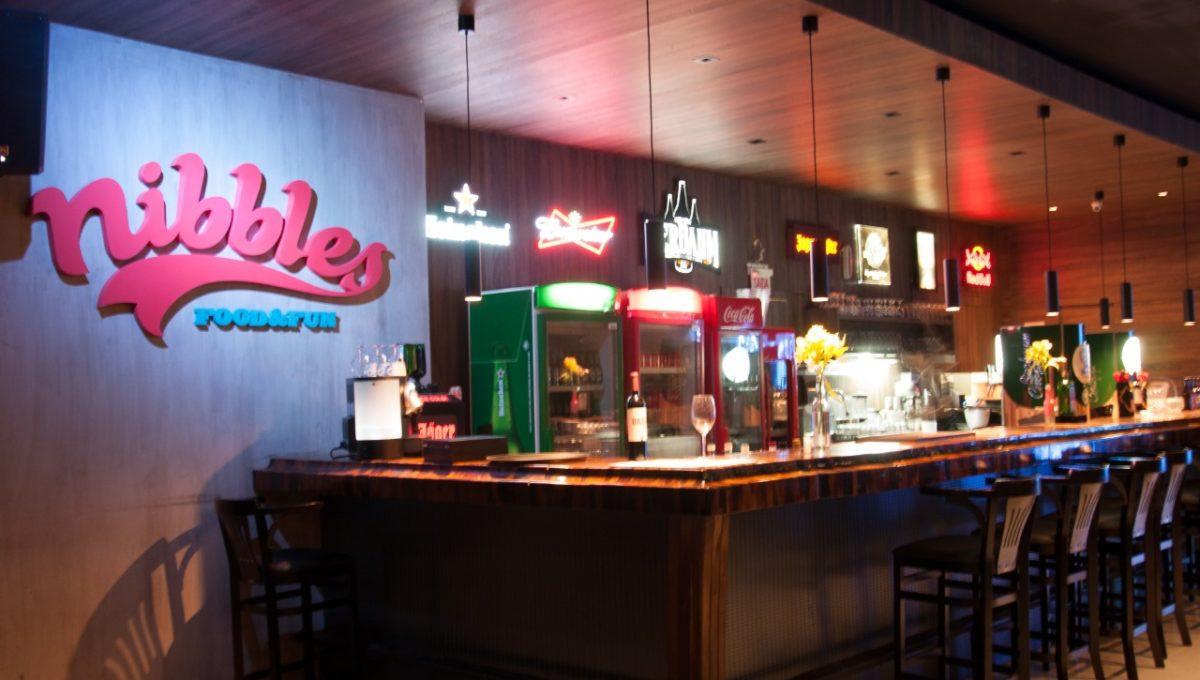 Nibbles Food & Fun Bar 01
