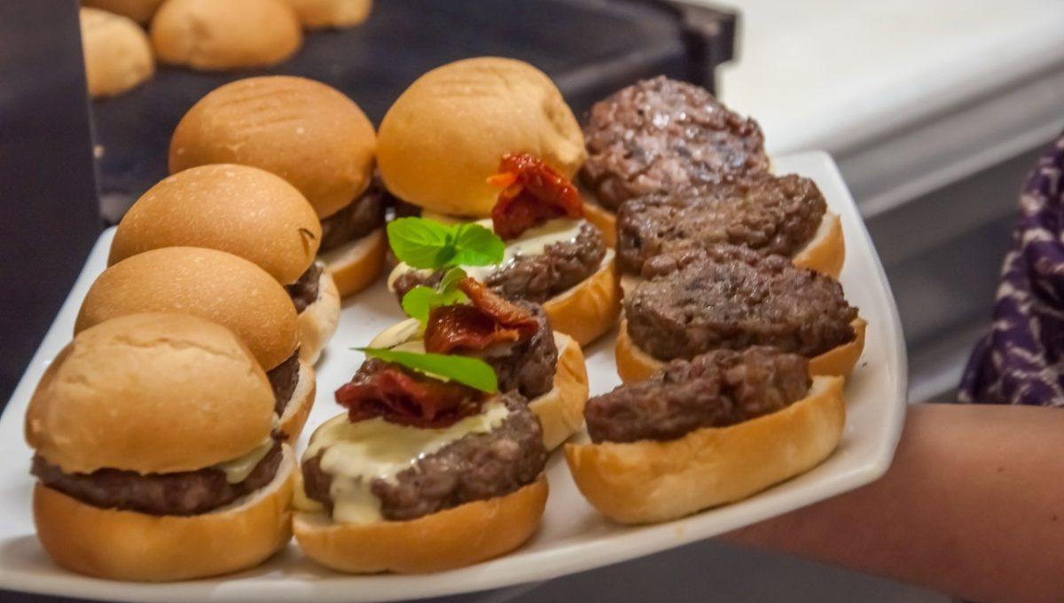 Nibbles Food & Fun Hamburgers 02